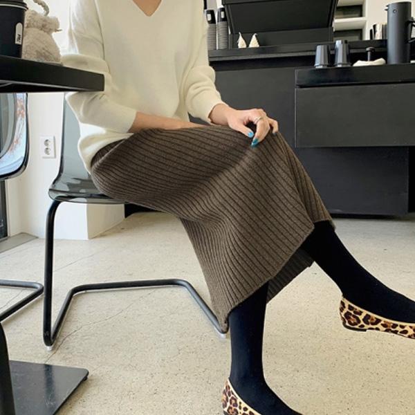 坑條修身針織裙