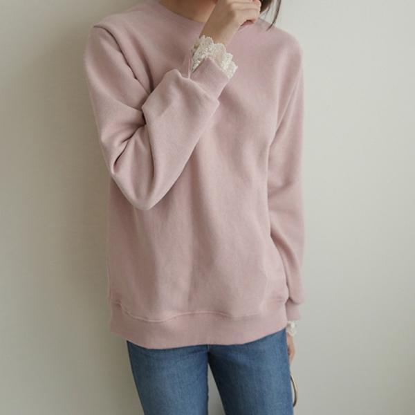 蕾絲設計純色上衣
