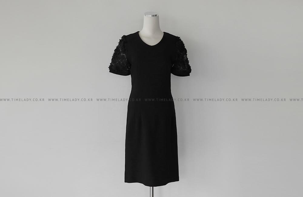 蕾絲拼接性感洋裝