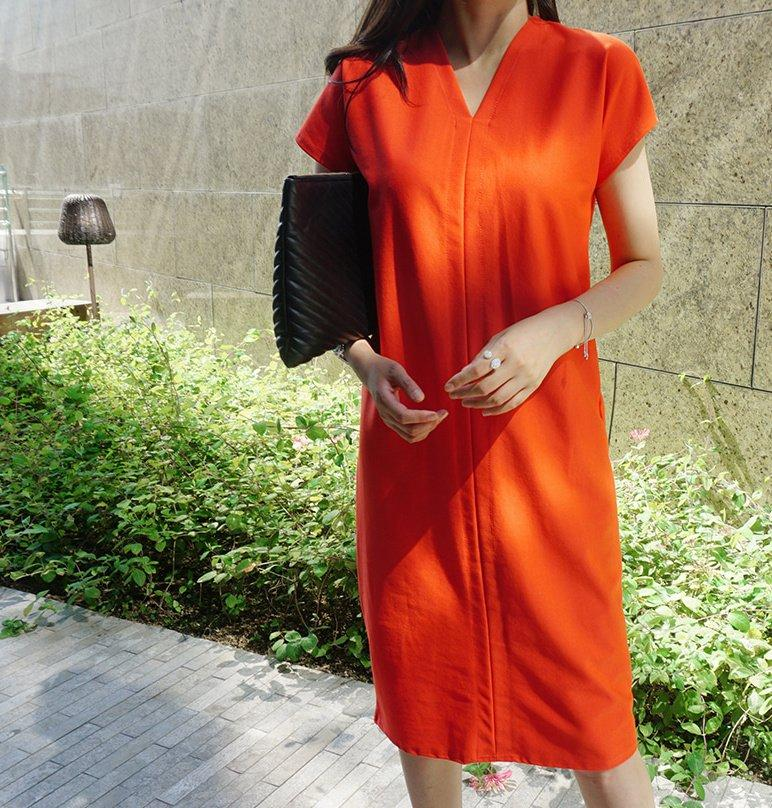 休閒V領純色洋裝
