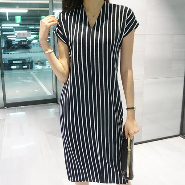 大方V領條紋洋裝