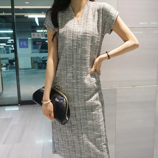 風格紋理V領洋裝,正韓,正韓商品,修身,monicaroom,D1-20Y0381