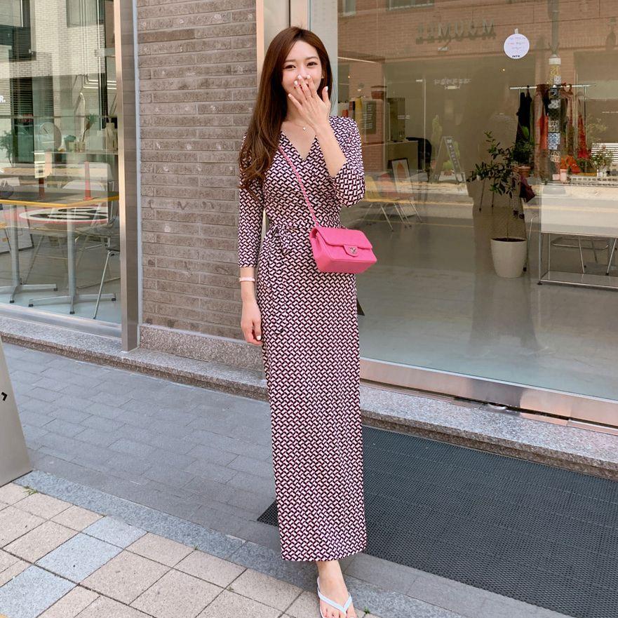 韓版五分袖修身V領印花洋裝,正韓,正韓商品,百搭,時尚,休閒