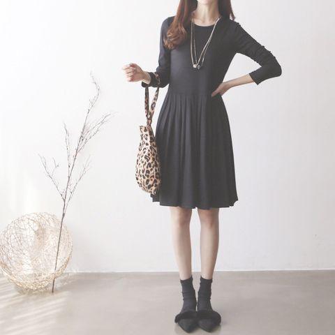 素雅溫婉素色洋裝