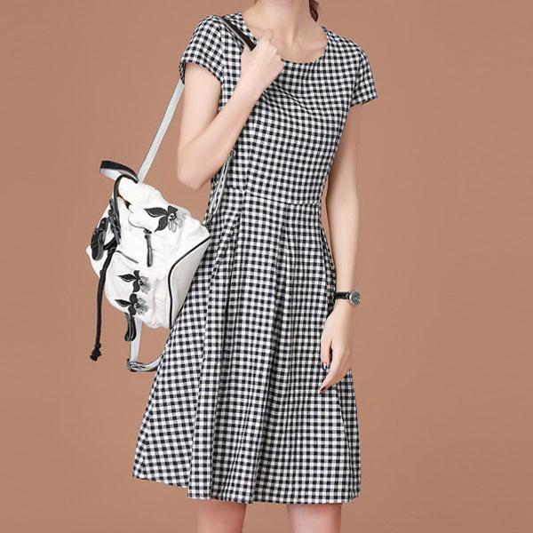 經典格紋圓領洋裝