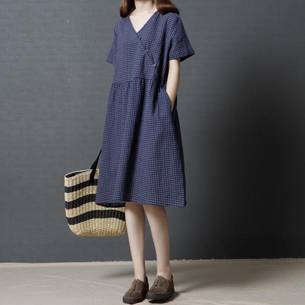 休閒細格V領洋裝