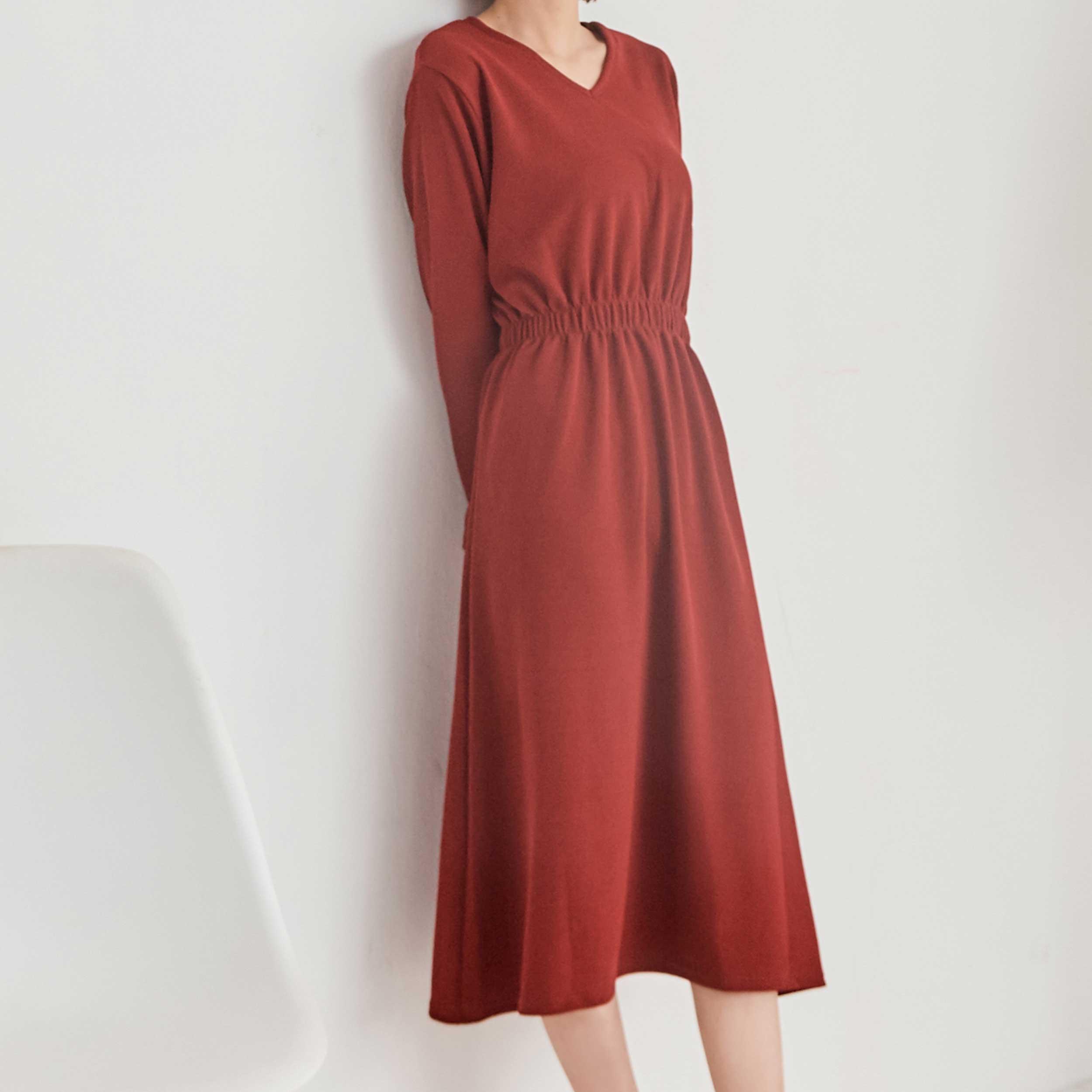 百搭縮腰純色洋裝