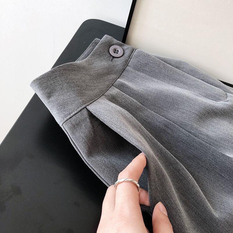 簡約百搭寬鬆短褲