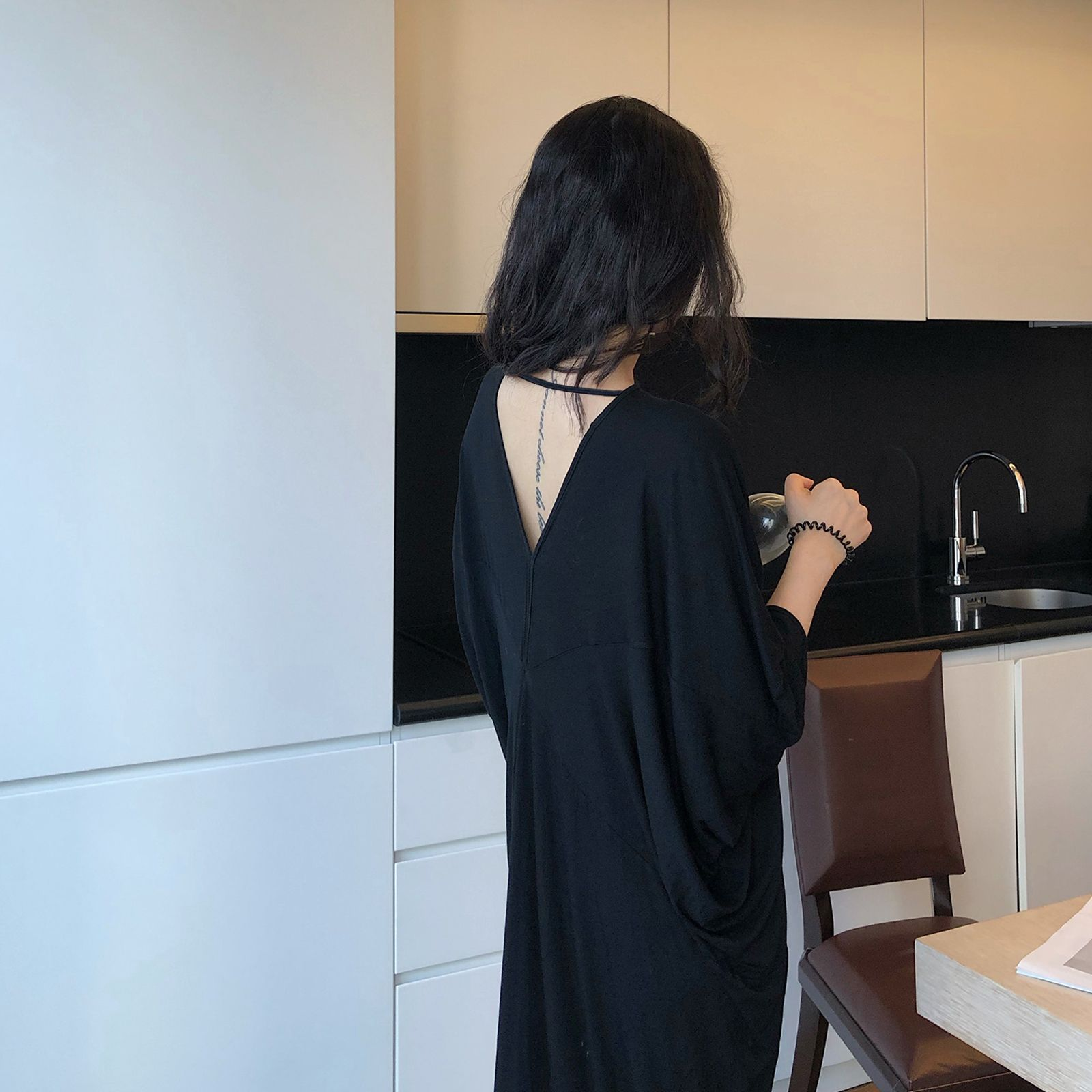 性感前後雙V領莫代爾洋裝