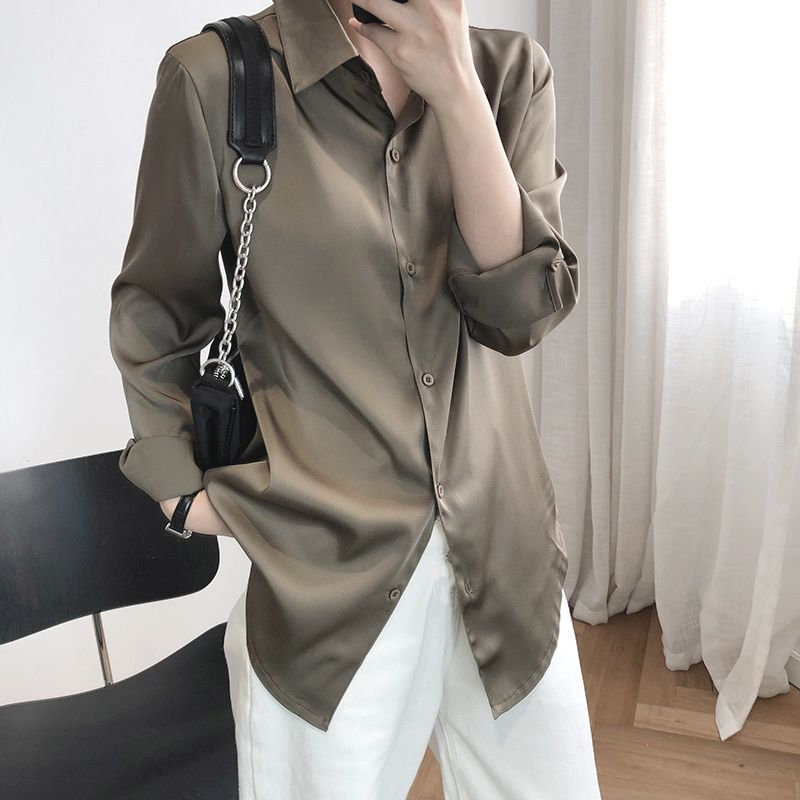 輕熟緞面垂墜感襯衫