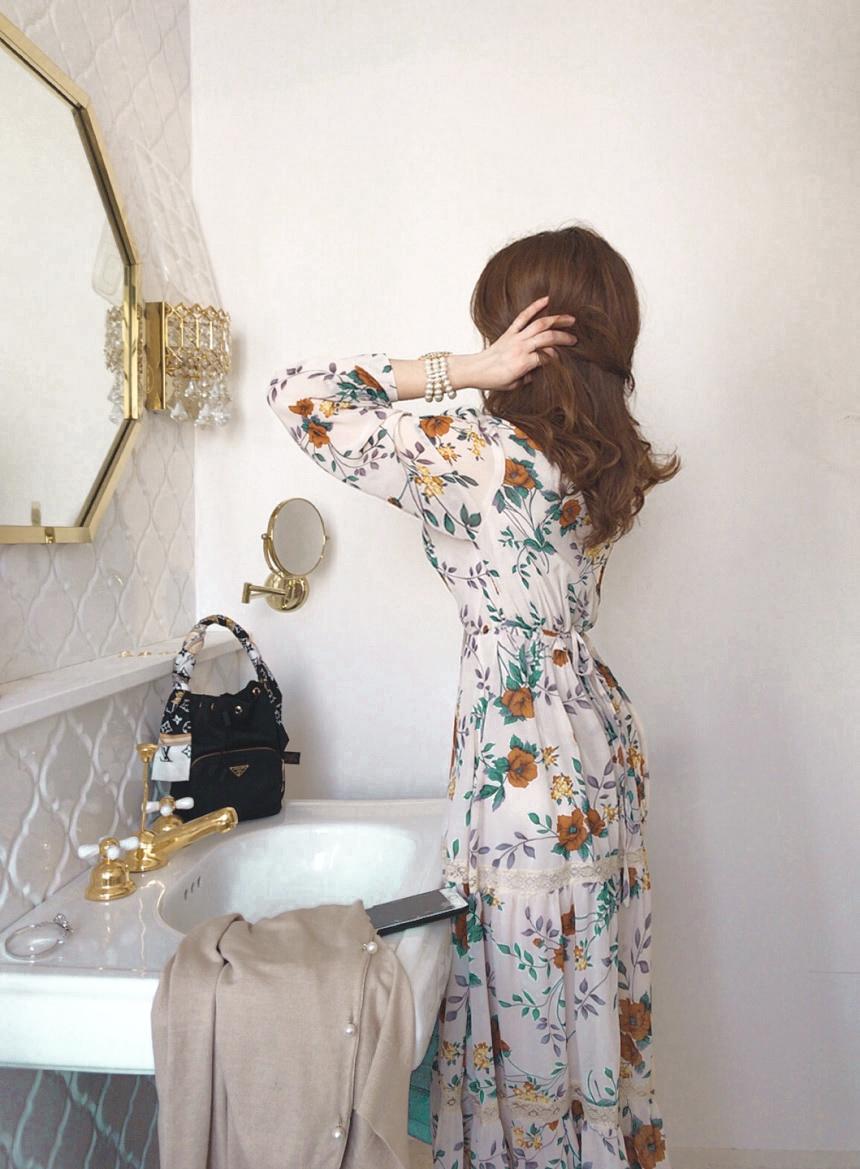 蕾絲拼接印花收腰洋裝