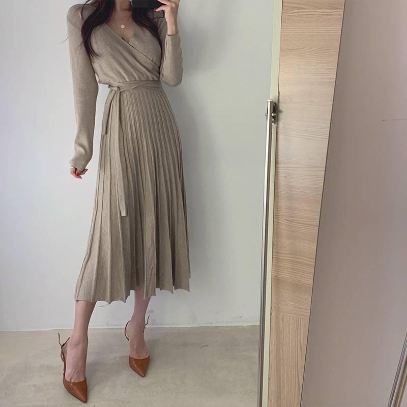 【藝人/網紅著用款】V領小性感針織洋裝