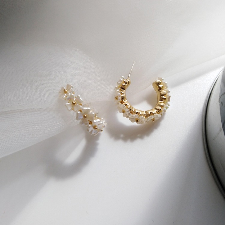 花朵C字形耳環