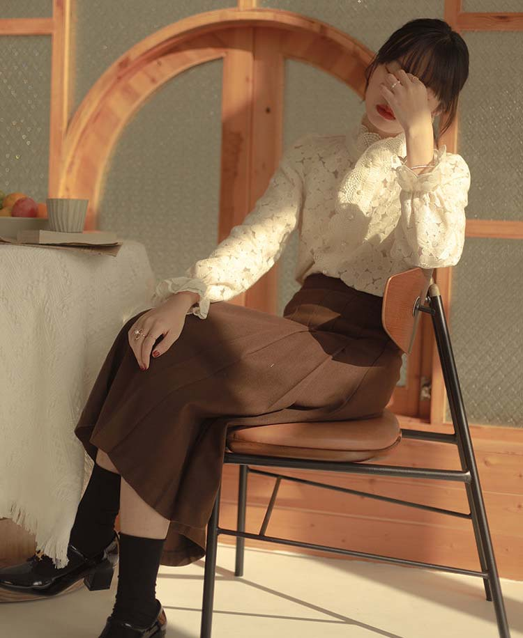 復古喇叭袖蕾絲襯衫