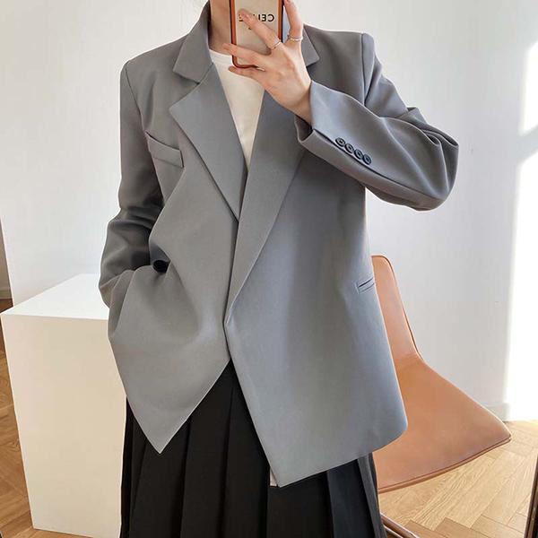 率性設計風暗釦西裝外套