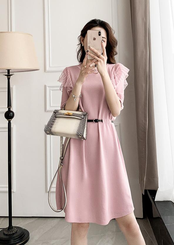典雅小巧思超修身洋裝