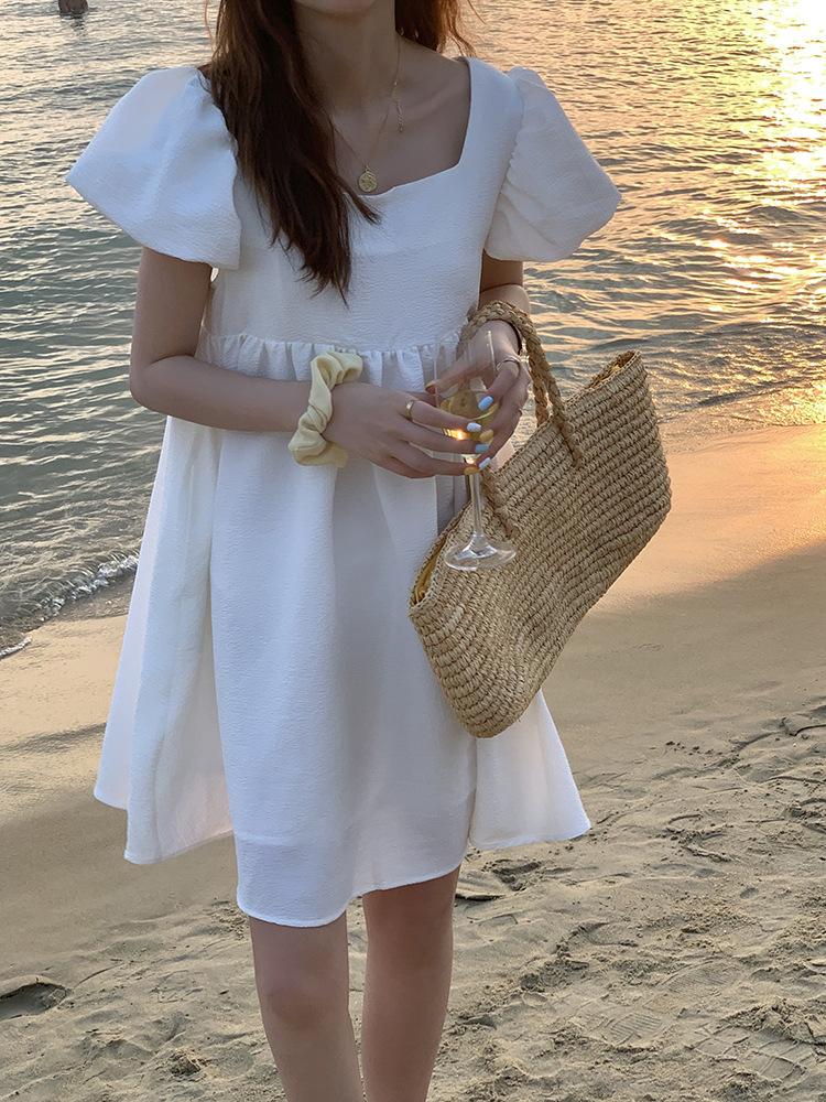 長腿名媛時髦泡泡袖洋裝