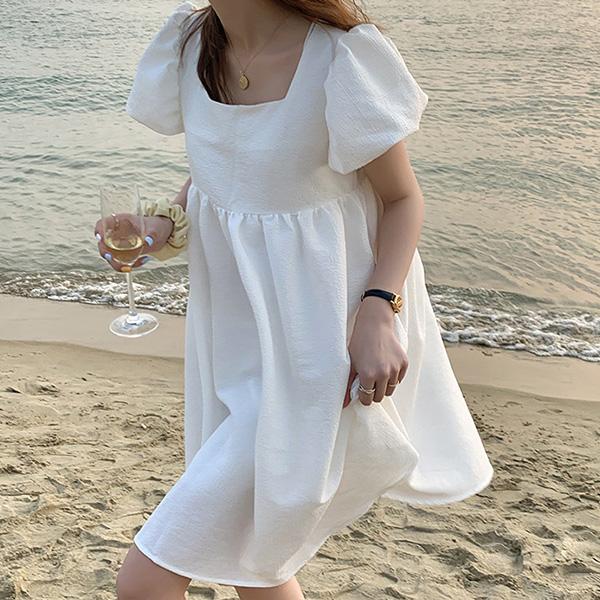 長腿名媛時髦泡泡袖洋裝,,JEANSWE,3G-UD06982,長腿名媛時髦泡泡袖洋裝,